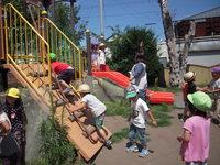 にじいろ園庭遊びのサムネール画像