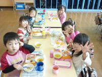 給食時間のサムネール画像